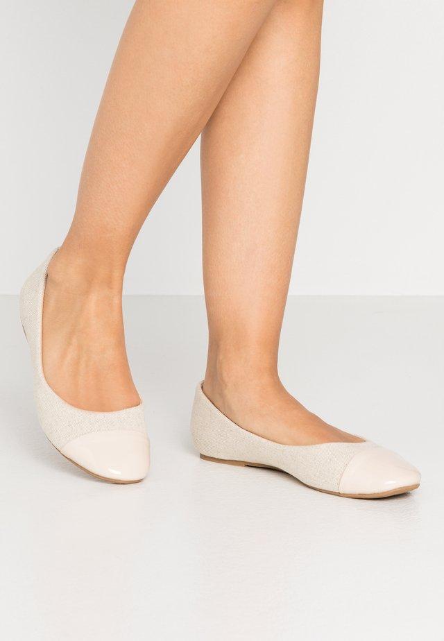 Klassischer  Ballerina - beige