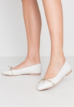 LEATHER BALLERINA - Ballet pumps - beige