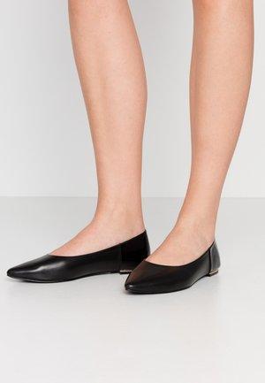 LEATHER BALLERINA  - Klassischer  Ballerina - black