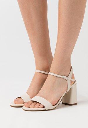 LEATHER SANDALS - Sandaler med høye hæler - offwhite