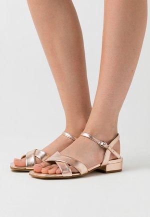 LEATHER - Sandaalit nilkkaremmillä - rose gold