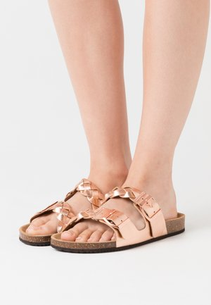Mules - rose gold