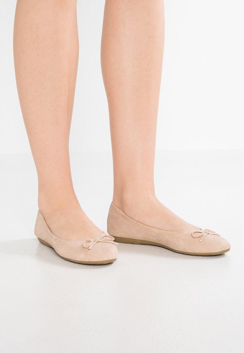 Anna Field - Ballerina's - nude