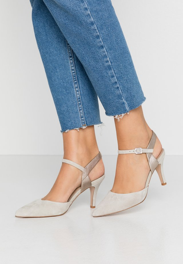 LEATHER PUMPS - Classic heels - grey