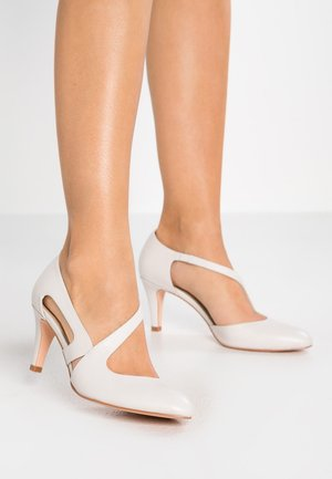 LEATHER CLASSIC HEELS - Czółenka - white