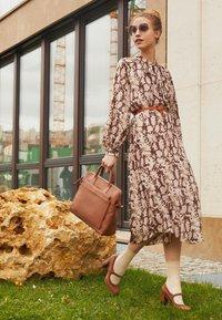 Anna Field - LEATHER CLASSIC HEELS - Classic heels - cognac - 1