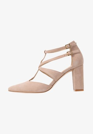 LEATHER PUMPS - Tacones - nude