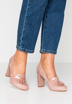 LEATHER PUMPS - Tacones - rose