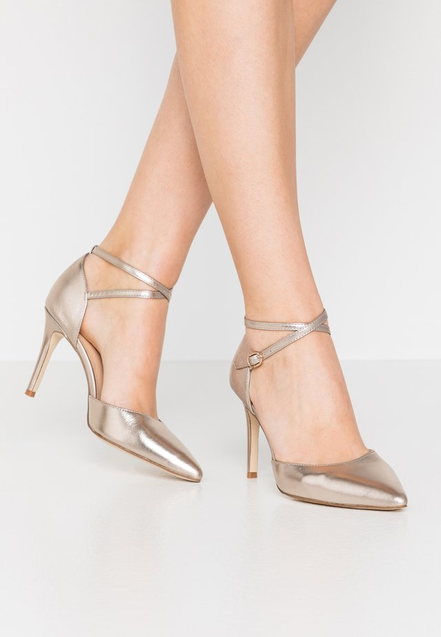 LEATHER PUMPS - Høye hæler - champagne