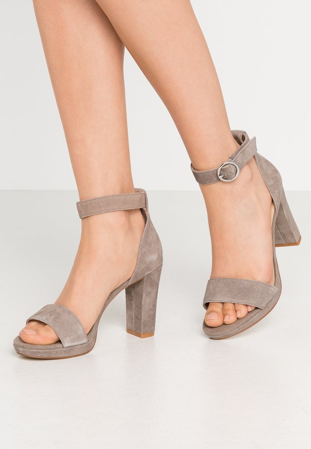 Sandalen met hoge hak - grey