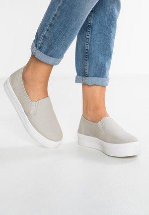 Slip-ins - grey