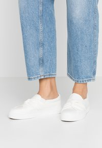 Anna Field - Slippers - white - 0