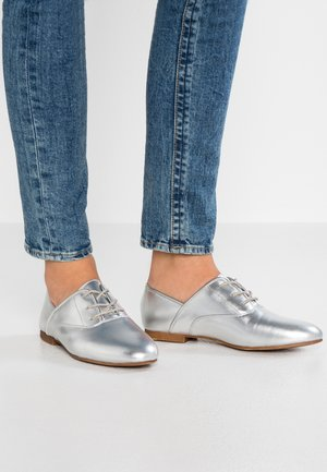 Lace-ups - silver