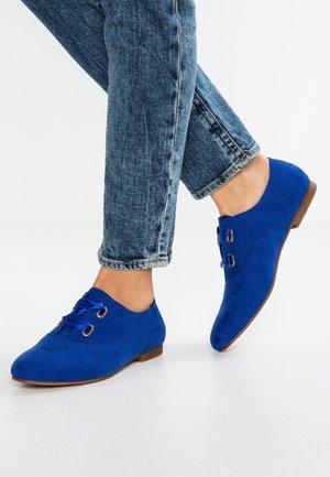 Lace-ups - blue