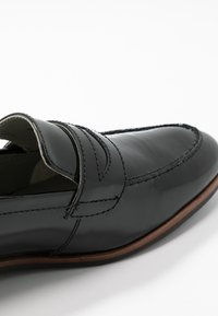 Anna Field - LEATHER SLIP-ONS - Slippers - black - 2