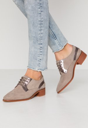 LEATHER LACE-UPS - Derbies - grey