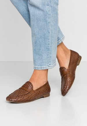 LEATHER SLIPPERS - Mocassins - cognac