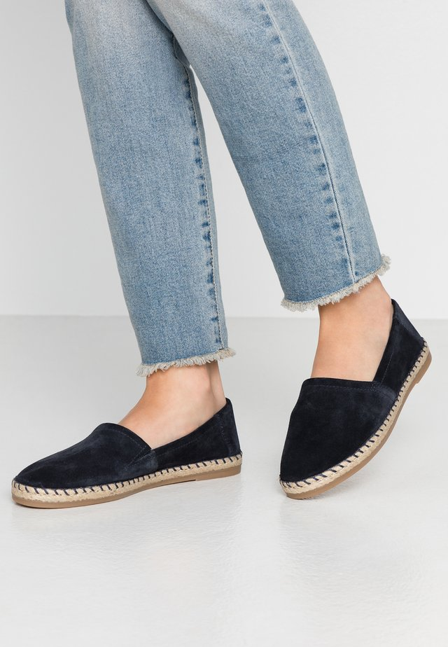 LEATHER ESPADRILLES - Espadryle - dark blue