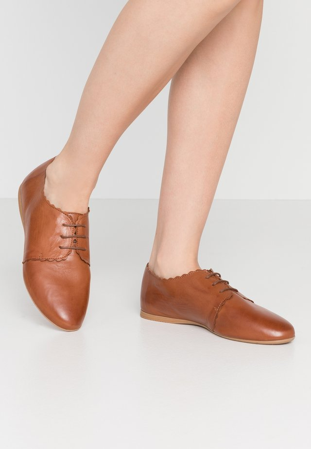 LEATHER - Derbies - cognac