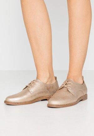 Šněrovací boty - gold