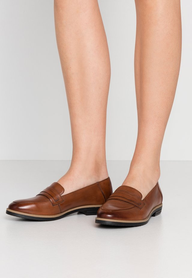 LEATHER LOAFER - Slip-ons - cognac