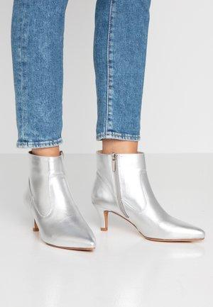 Boots à talons - silver