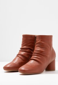 Anna Field - Ankle boots - orange - 4