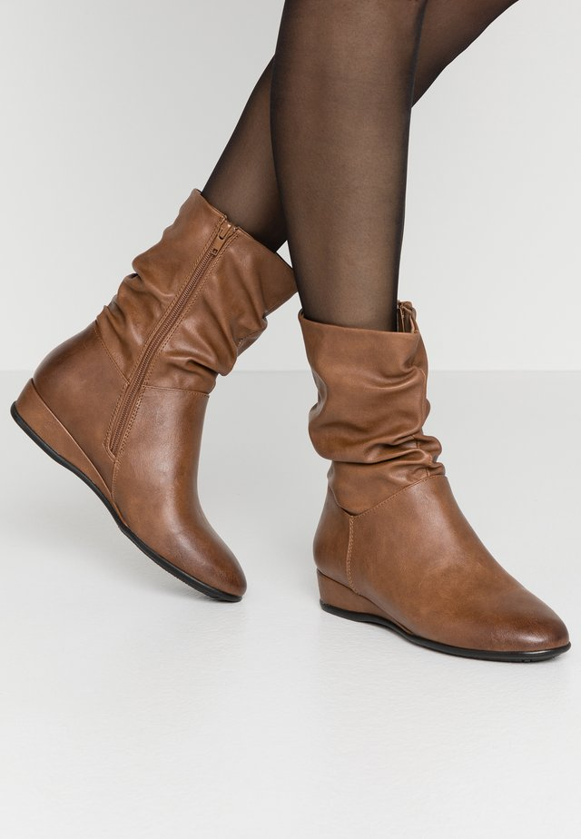 Wedge Ankle Boots - cognac