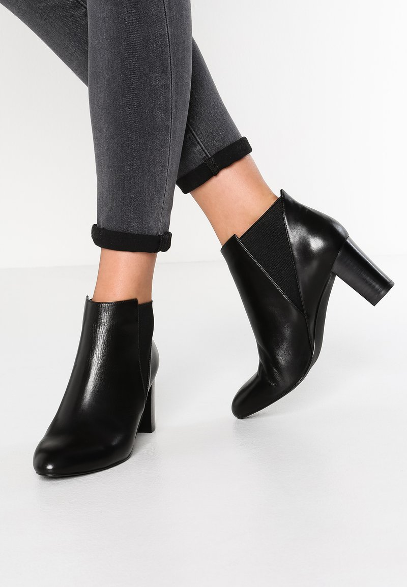 Anna Field - LEATHER BOOTIES - Botines - black