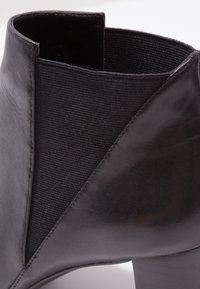 Anna Field - LEATHER BOOTIES - Botines - black - 2