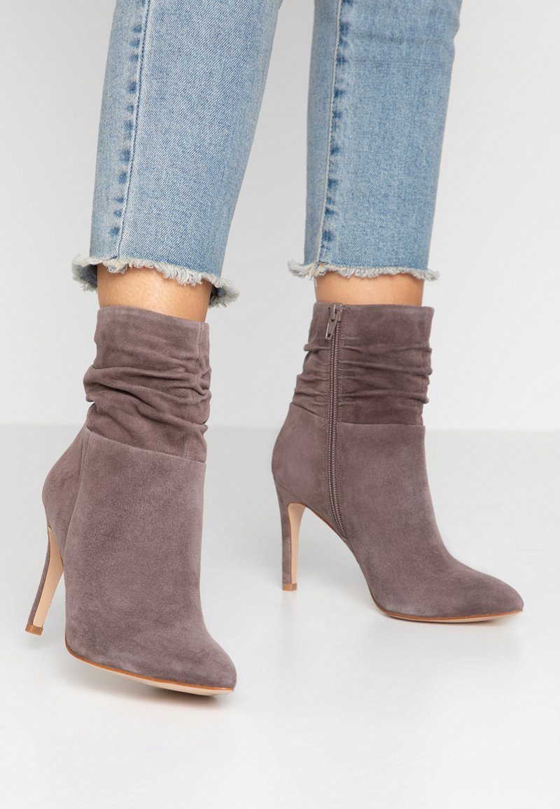 Anna Field - LEATHER BOOTIES - Classic ankle boots - brown