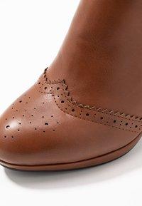 Anna Field - Kotníková obuv na vysokém podpatku - cognac - 2