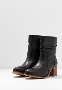 Anna Field - LEATHER BOOTIES - Classic ankle boots - black - 4