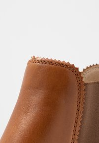 Anna Field - LEATHER CHELSEAS - Botines bajos - cognac - 2