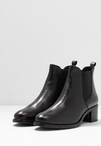 Anna Field - LEATHER BOOTIES - Kotníková obuv - black - 4