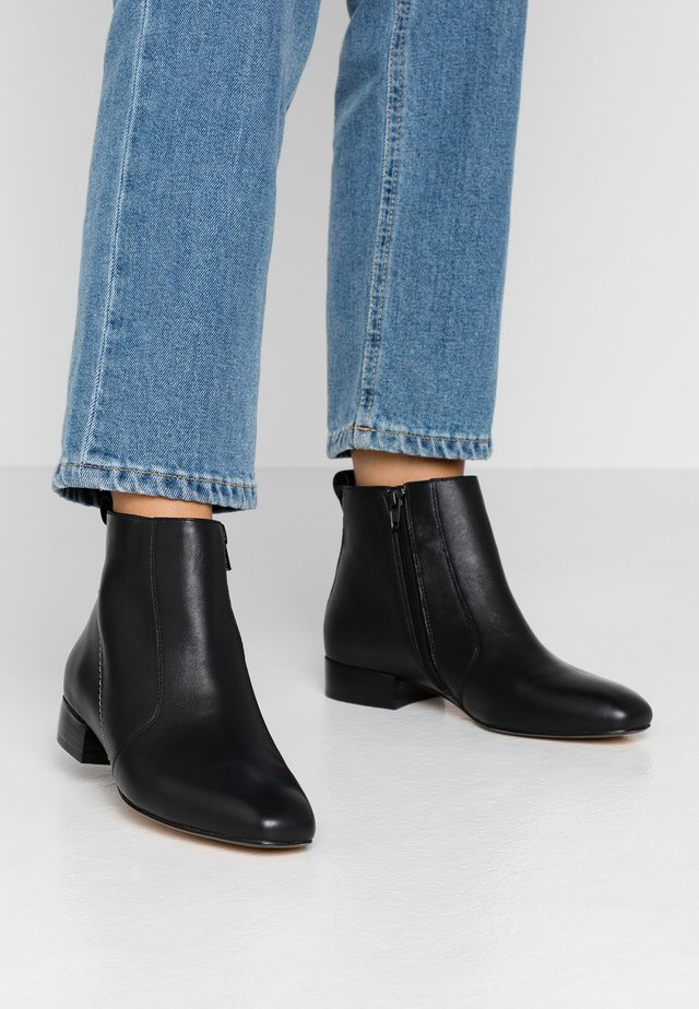 LEATHER CLASSIC ANKLE BOOT - Botki - black