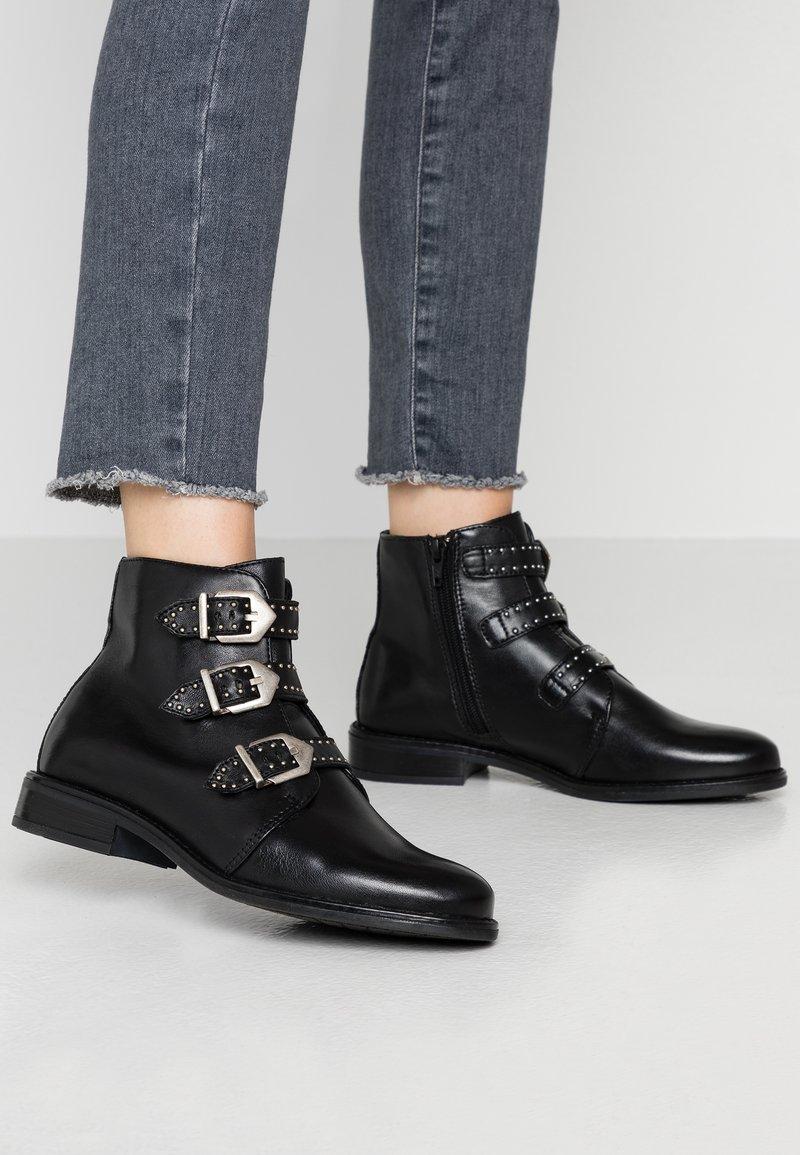 Anna Field - LEATHER BOOTIES - Kotníková obuv - black
