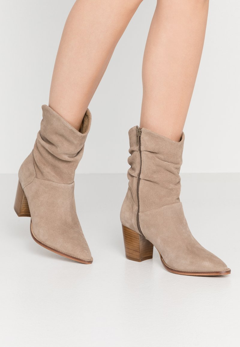 Anna Field - LEATHER CLASSIC ANKLE BOOTS - Botines - taupe