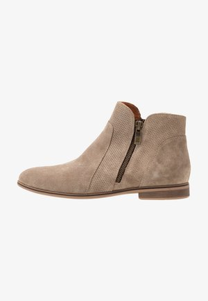 LEATHER ANKLE BOOTS - Botines bajos - beige