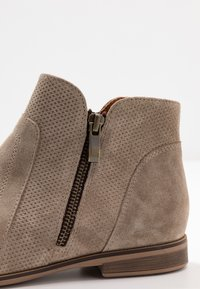 Anna Field - LEATHER ANKLE BOOTS - Tronchetti - beige - 2