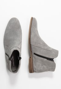 Anna Field - LEATHER ANKLE BOOTS - Botines bajos - light grey - 3