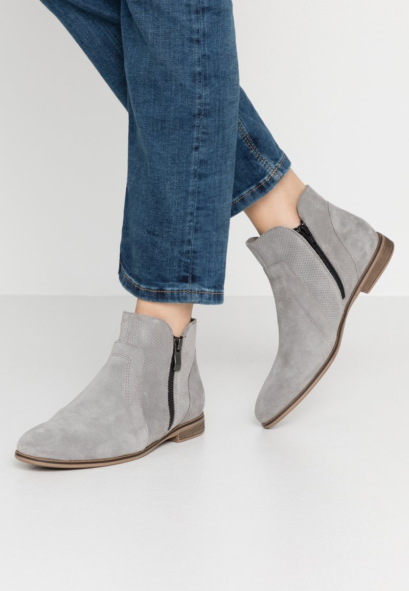 Anna Field - LEATHER ANKLE BOOTS - Botines bajos - light grey