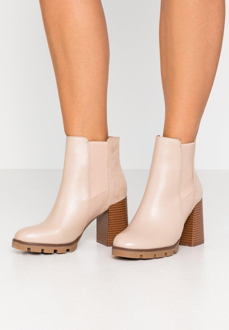 Anna Field - Kotníková obuv na vysokém podpatku - beige