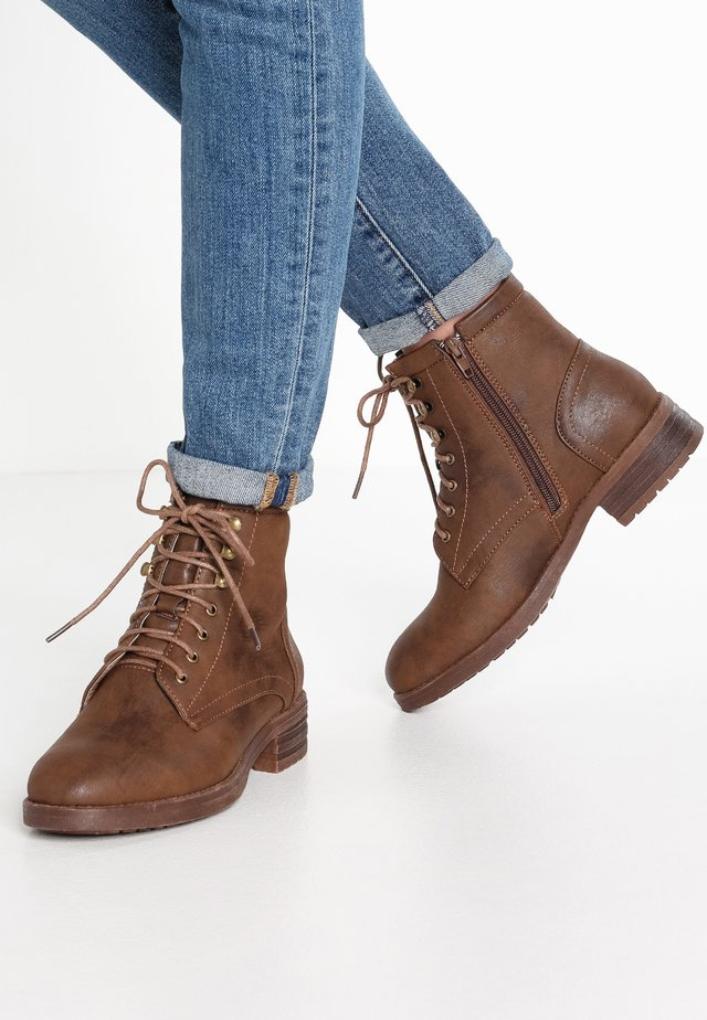 Lace-up ankle boots - coffee