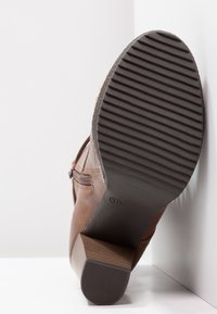 Anna Field - Kotníková obuv na vysokém podpatku - cognac - 5