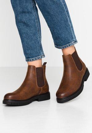Kotníkové boty - brown