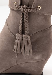 Anna Field - LEATHER WINTER BOOTIES - Winter boots - grey - 2