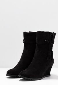 Anna Field - LEATHER WINTER BOOTIES - Winter boots - black - 4