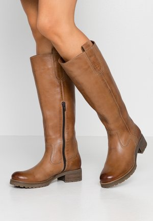 LEATHER WINTER BOOTS - Śniegowce - cognac