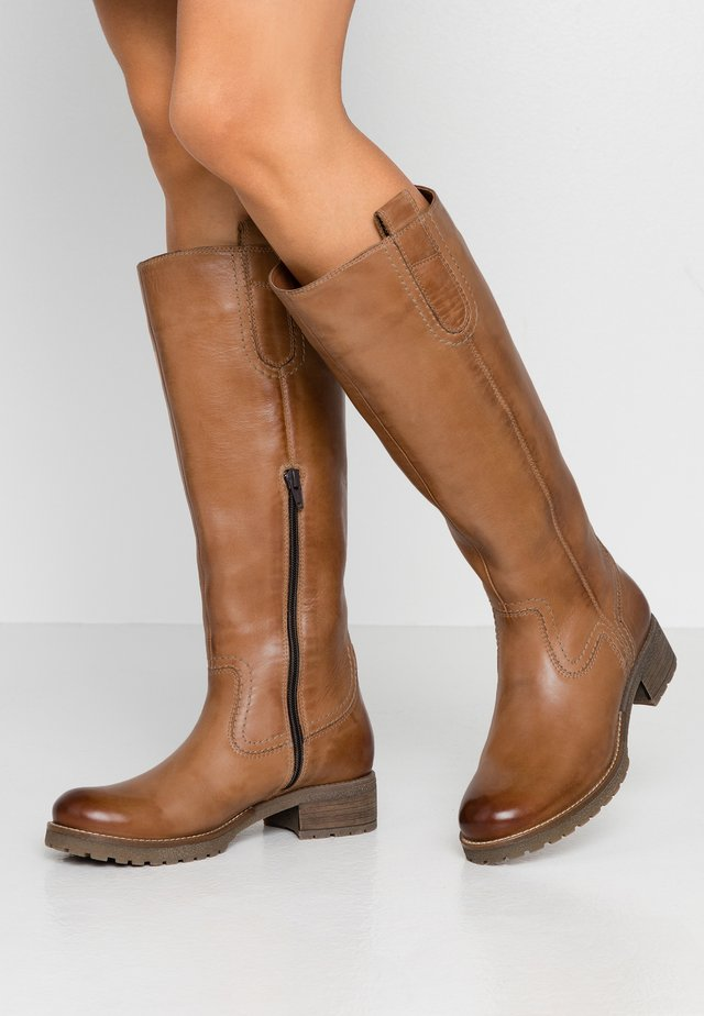 LEATHER WINTER BOOTS - Snowboot/Winterstiefel - cognac